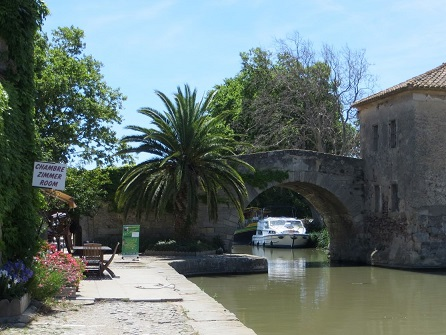 Discover charming village beside the canal du Midi