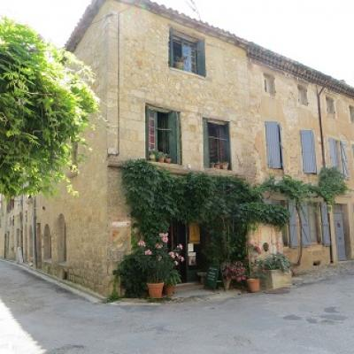 Learn french and visit charming village of lagrasse