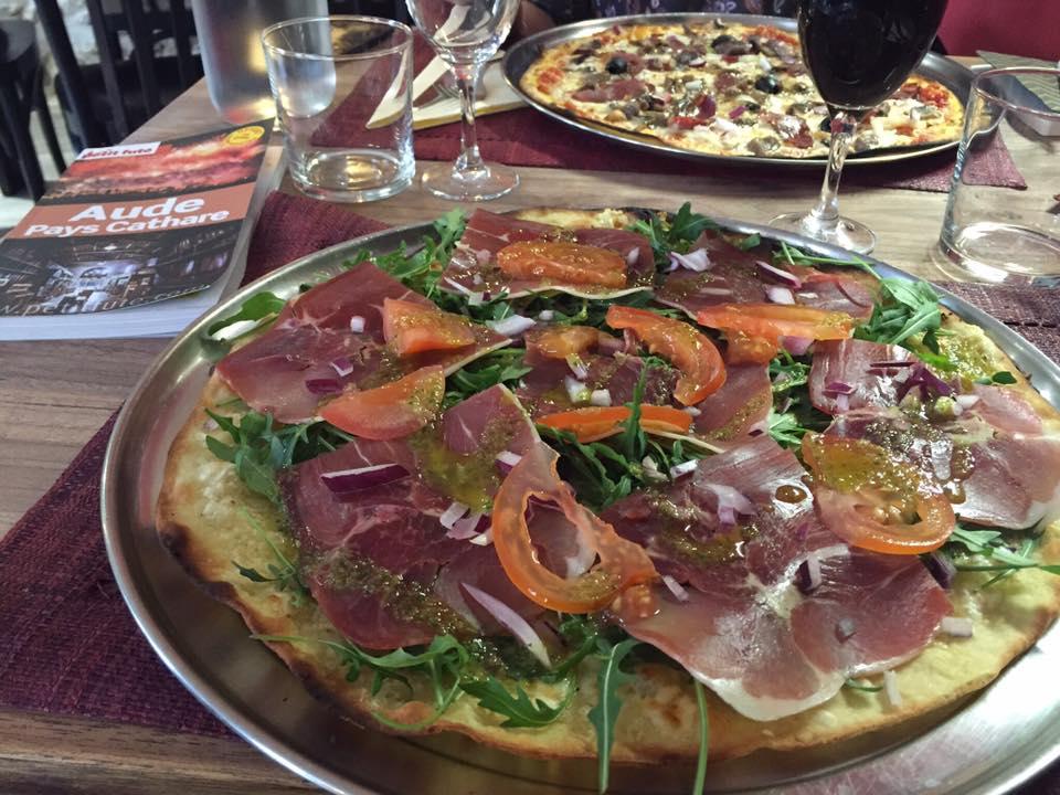 Pizzeria restaurant heureux tour fabrezan
