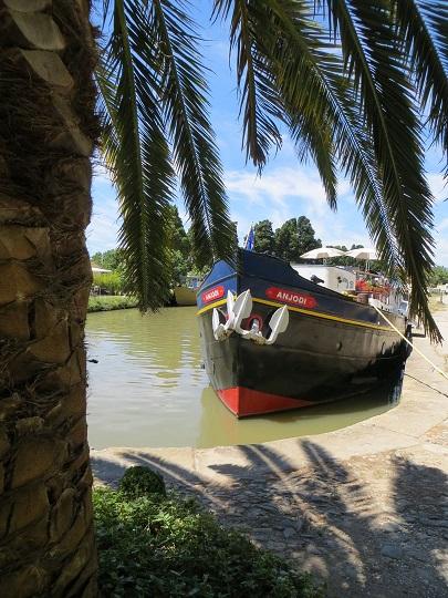 Le canal: un oasis de paix et de tranquillité